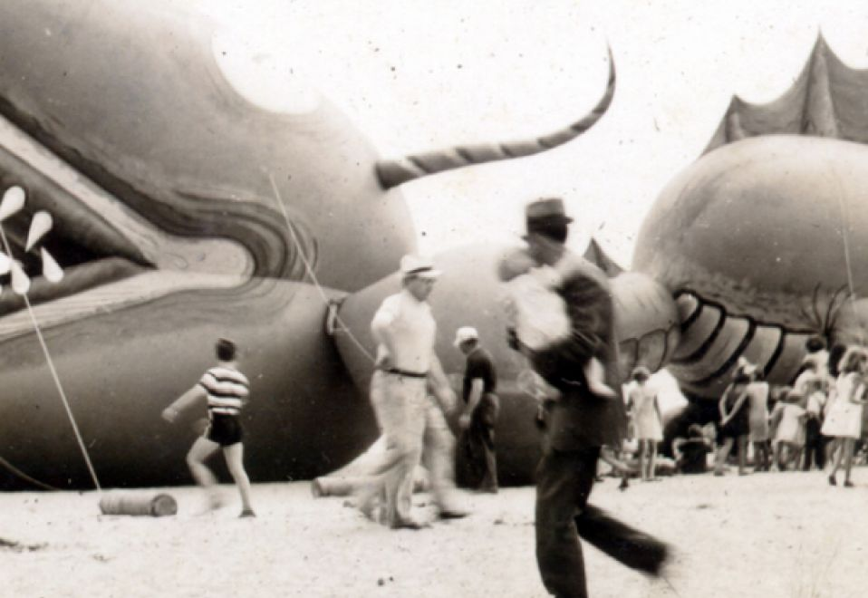 Imagem The-Nantucket-Sea-Serpent-Hoax-1937.jpg